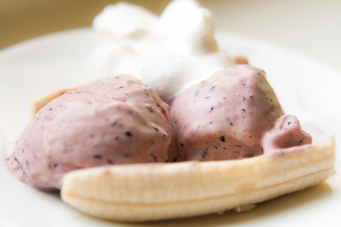 banana split, borovnica sladoled