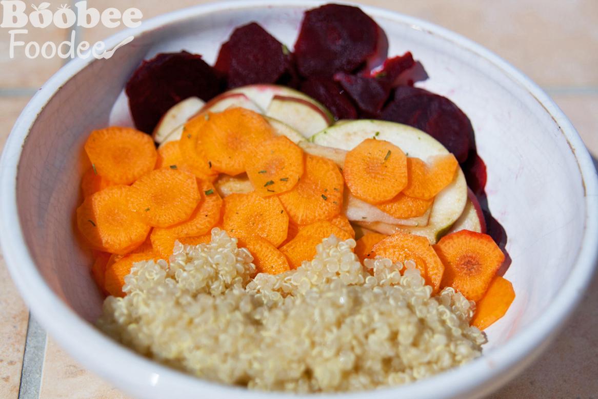 Rdeča pesa z jabolkom&korenčkom in kvinojo