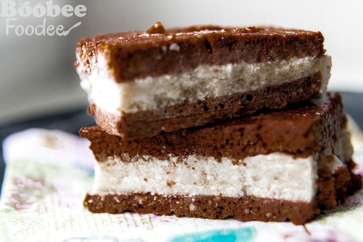 Ajdov sladoledni sendvič (brez glutena, mleka in jajc)