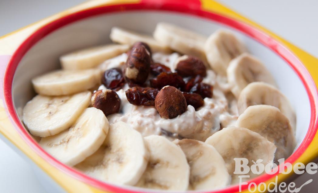 pomarancni pirini kosmici z jogurtom, brusnicami, lesniki_wm