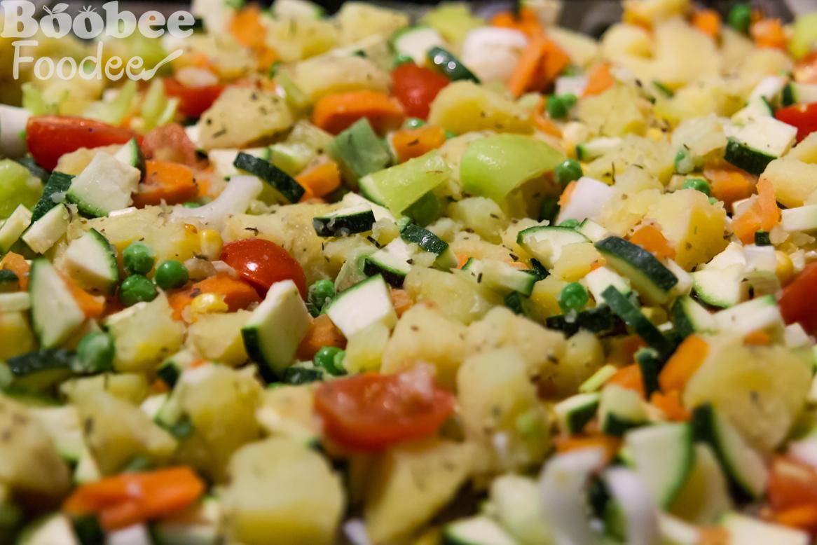 vrtnarski kroznik (cvetaca, grah, koruza, mlada cebulica, korencek, krompir, bucke, paprika)_wm
