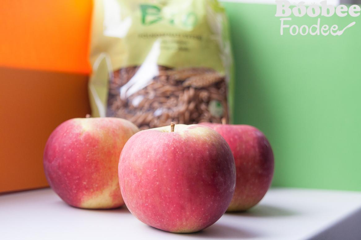 jabolcne goveje kroglice, pz pasta s kitajskim zeljem, rizevim mlekom1