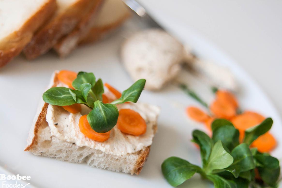 Veganski sir z zelišči