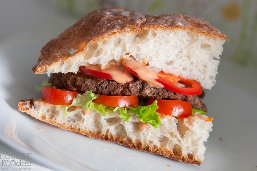 Sočen vegetarijanski burger