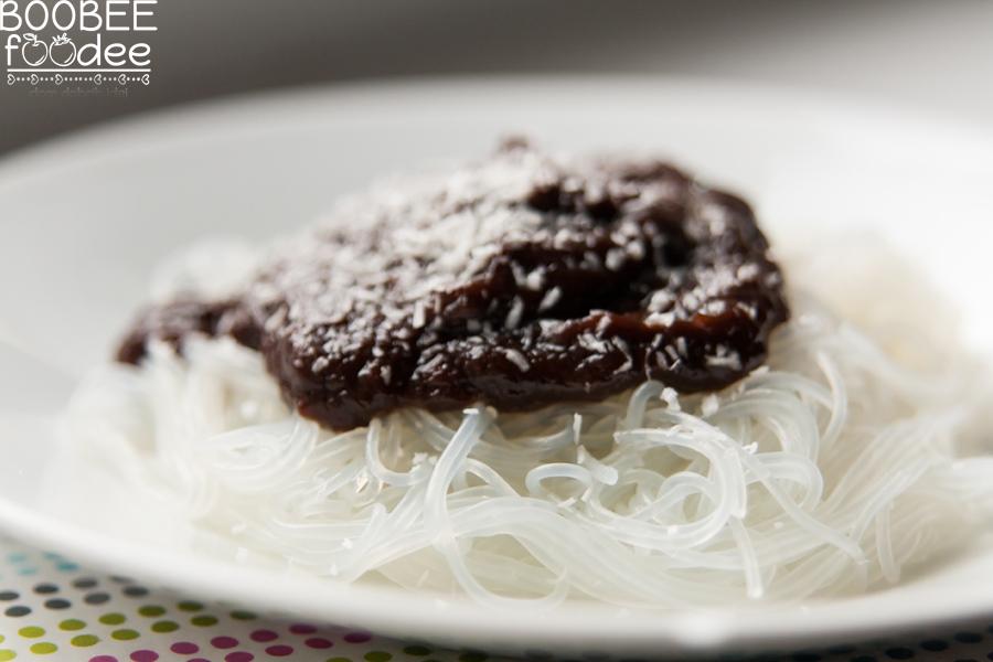 Riževi špagetki s čokolado