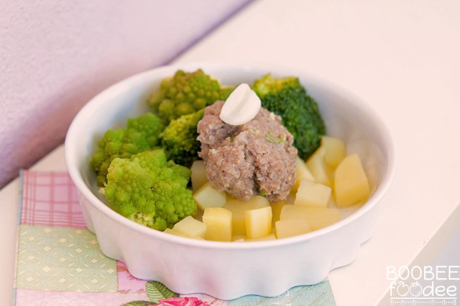 Baby goveji eko polpet z brokoli-cvetačnim pirejem