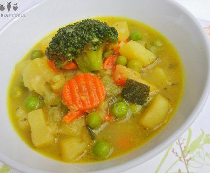 Krompirjeva zelenjavna mineštra s curryjem